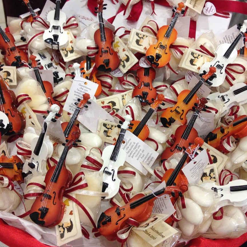 Matrimonio Tema Roma : Anna creazioni bomboniere confetti roma strumenti musicali